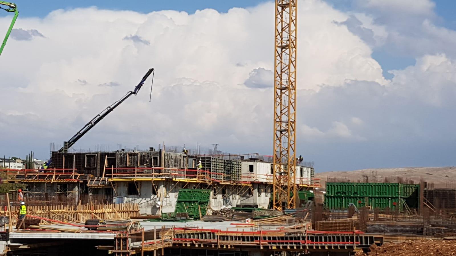 בעיצומם של עבודות שלד (קומה 2) בשלב א' ועבודות שלד מרתף בשלב ב' 25.10.2019