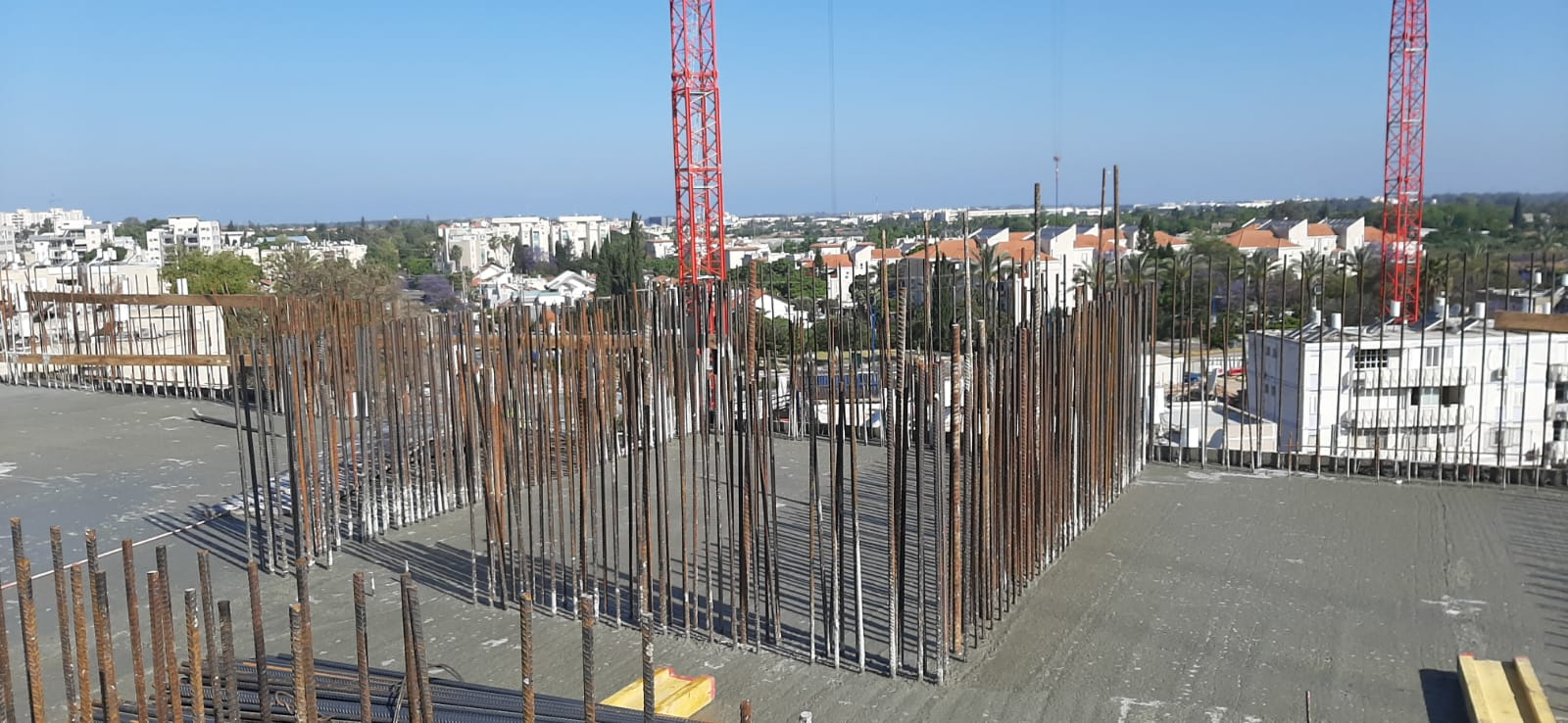 מגרש 102 - ביצוע רצפת קומה 5 | מגרש 103 - קירות חוץ קומה 4  07.05.2020