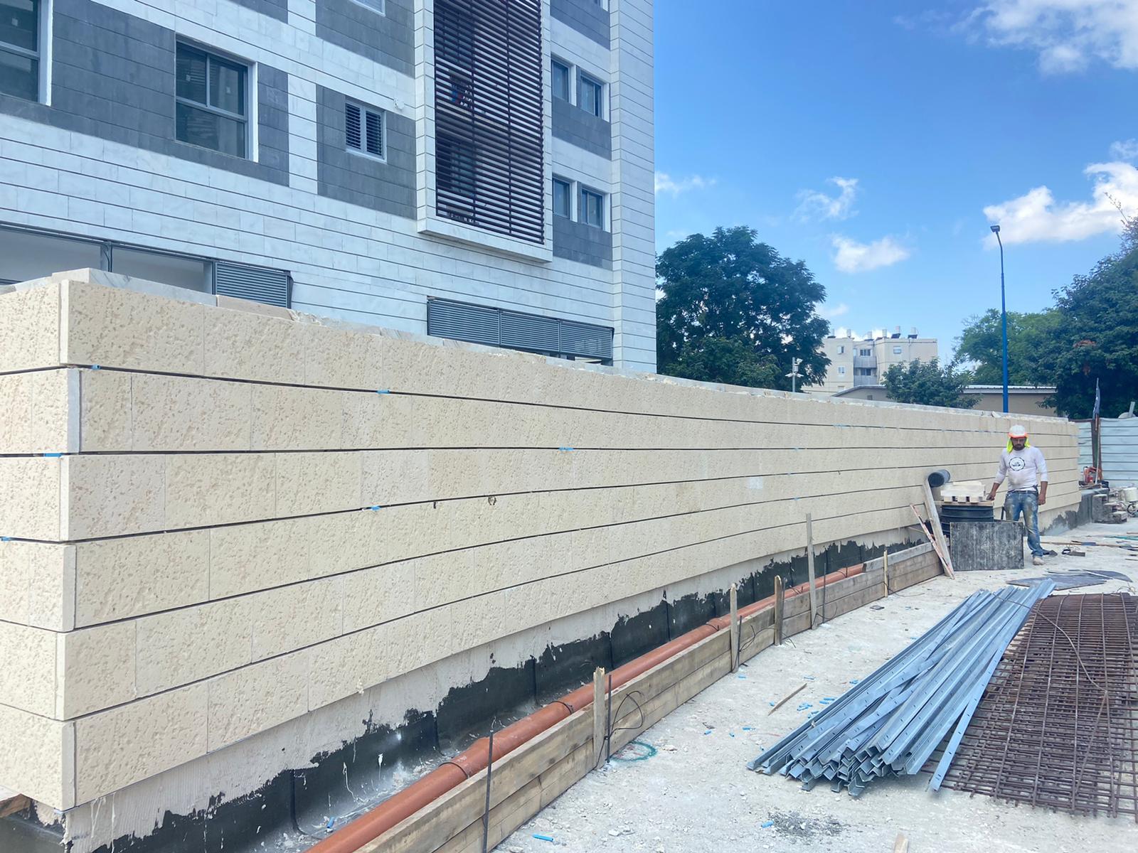עבודות גמר אחרונות בניינים 102,103 תיקוני גמר ועבודות פיתוח 12.08.2021