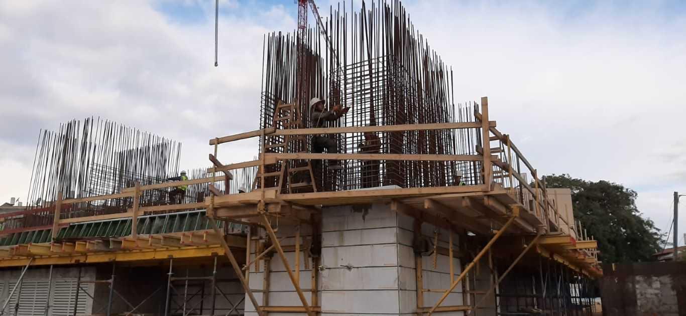 מגרש 102 - ביצוע קירות קומת מחסנים, סיום קומת קרקע 01.02.2020