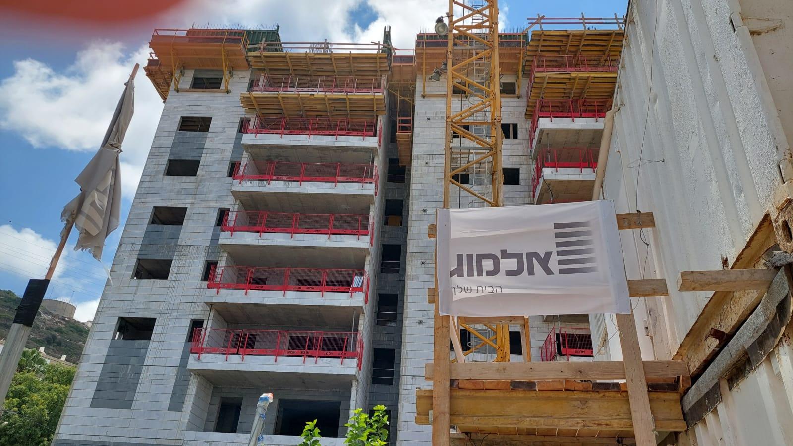 עבודות שלד קומה 10 עבודות חשמל ואינסטלציה ביטון וטיח קומות נמוכות 12.08.2021