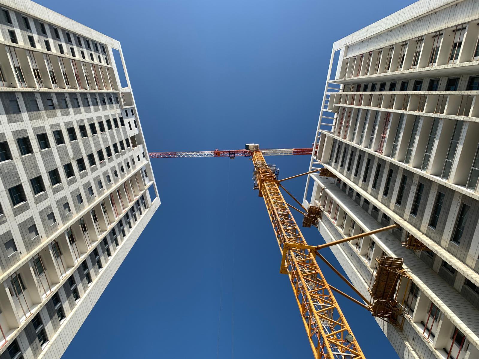 עבודות סיום מערכות, טיח וריצוף גגות. 08.07.2021